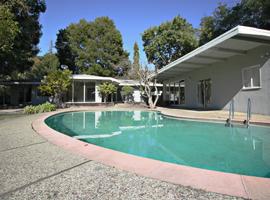 1144 Palo Alto Avenue